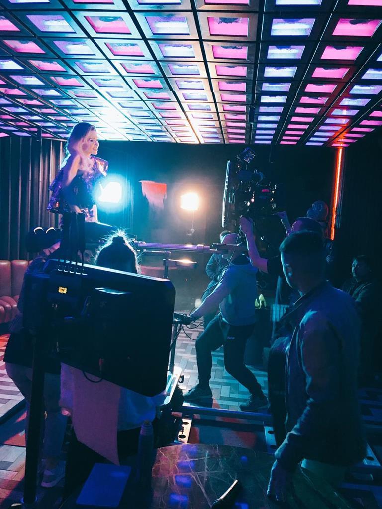 Певица ЛЕТТИ презентовала свой дебютный клип на песню «Кайфово»